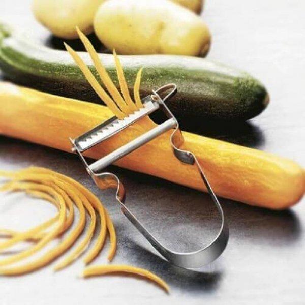 Skrællekniv der skræller i 'Julienne Cut' fra Victorinox