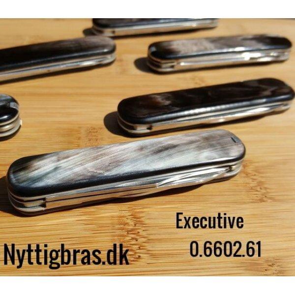 Executive Morfarkniv med Bøffelhorn fra Victorinox